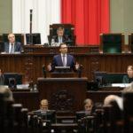 Sondaż dla DoRzeczy.pl: PiS znów zyskuje…